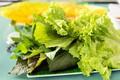 Cảnh giác với thói quen ăn rau sống mùa dịch