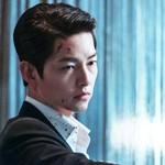 Bạn diễn nam thừa nhận bị ngoại hình của Song Joong Ki cuốn hút đến mức quên lời thoại