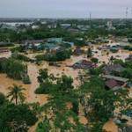 Đêm lũ mưa: Cuộc sống người dân vùng lũ