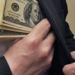 O ép doanh nghiệp để cưỡng đoạt tài sản