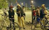 An toàn sống: Đi xe đạp uống rượu bia cũng bị phạt tới 600.000 đồng