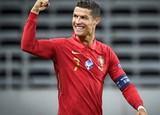 Ronaldo được vinh danh đặc biệt, Mặc kệ Corona ,MU mua cầu thủ từ Trung Quốc