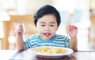 Thói quen xấu ảnh hưởng đến ngoại hình mẹ sửa gấp cho con khi còn nhỏ