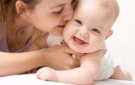 Cho trẻ sơ sinh nằm sấp không hề nguy hiểm mà còn mang lại những lợi ích bất ngờ này