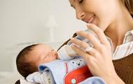 Lần đầu làm cha mẹ dù vụng về thế nào cũng nên tránh 4 sai lầm khi chăm sóc trẻ sơ sinh