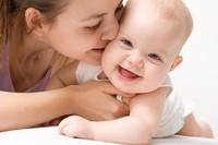 Ngoạn mục em bé chào đời với 6 vòng dây quấn cổ hiếm gặp