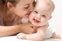 Những mẹo dân gian đẩy lùi táo bón cho trẻ sơ sinh