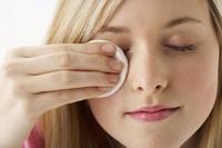 Những thói quen xấu làm hại đôi mắt của bạn mỗi ngày