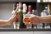Dù bị ép cũng đừng nên uống rượu vào 7 thời điểm này kéo hối hận