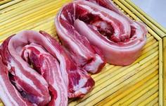 Muốn rã đông thịt nhanh, ăn ngon như thịt tươi hãy nhớ 3 mẹo này