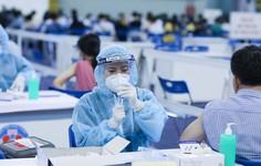Bị ngứa họng, tê lưỡi sau tiêm vaccine Covid-19, cần làm gì?