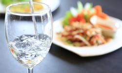 Uống nước sau khi ăn: Dừng lại nếu không muốn trở thành người bệnh!
