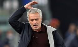 """Mourinho góp phần tạo ra diễn biến """"điên rồ"""" tại Serie A"""