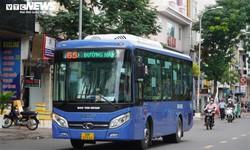 TP.HCM: Ngày đầu hoạt động trở lại, xe buýt vắng khách