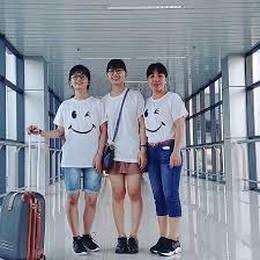 Family Selfie - Đoàn Khánh Vân
