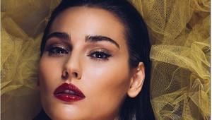 Cận cảnh nhan sắc không góc chết của Hoa hậu Trái Đất 2020