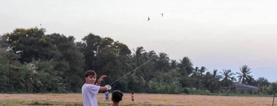 Rò rỉ ảnh Hồ Văn Cường vui đùa ở quê sau lùm xùm cát-xê?